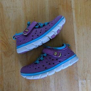 Stride Rite toddler Girls size 10 phibian shoes